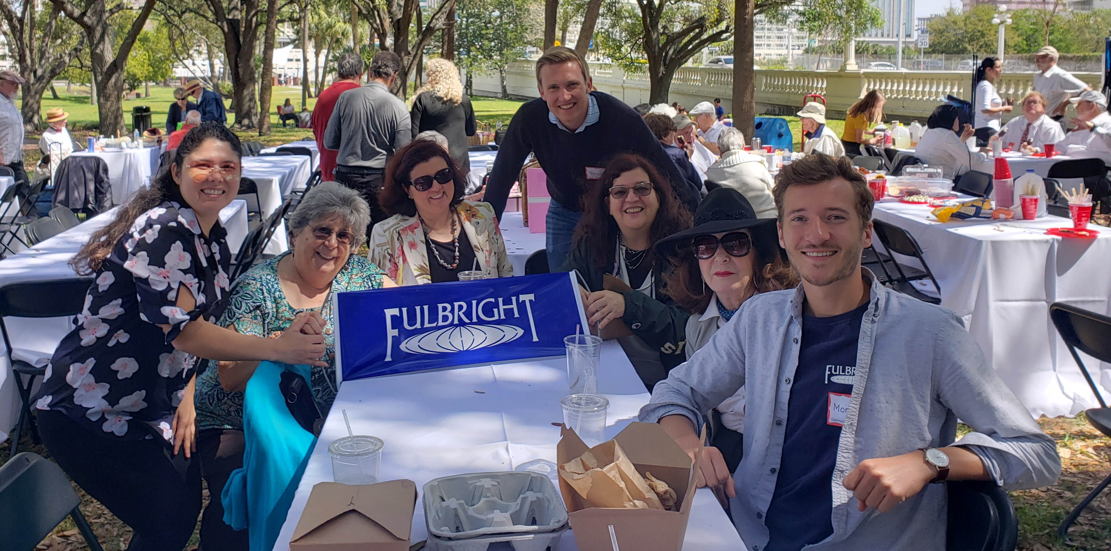 Picnic participants from the mid-Florida Fulbright Chapter